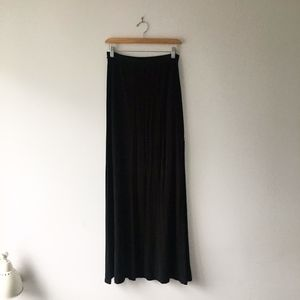 Free People // Black Maxi Skirt in Black